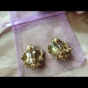 Vintage Jewelry - Vintage WWII Waikiki Orchid Clip Metal Earrings 1""
